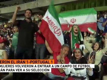 Las mujeres volvieron a entrar a un campo de fútbol en Irán para ver a su selección