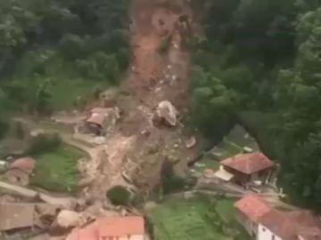 Activan la emergencia por un desprendimiento de tierras en Asturias