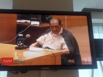 El doctor Vela durante el juicio