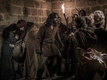 La trepidante lucha de Arnau por salvar la vida de los judíos