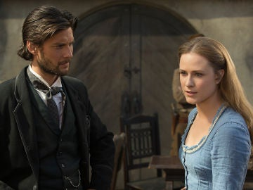 Ben Barnes y Evan Rachel Wood en 'Westworld'