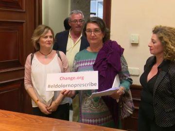 Entregan firmas en el Congreso  para pedir que los delitos sexuales no prescriban