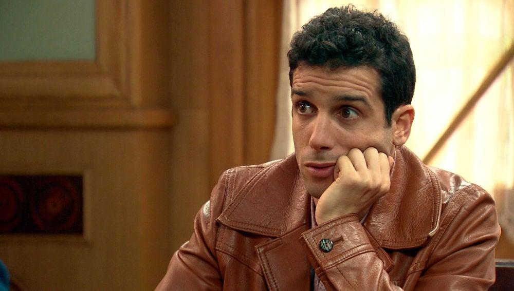 Ignacio, celoso del director de cine de María
