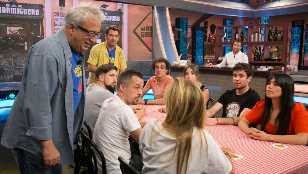 """""""¡Vaya lío de comanda!"""", Arturo Valls y Leo Harlem protagonizan uno de los momentazos de 'El Hormiguero 3.0'"""