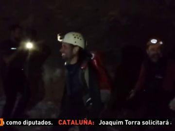 La Guardia Civil logra sacar de la gruta de Teruel a los tres espeleólogos desaparecidos