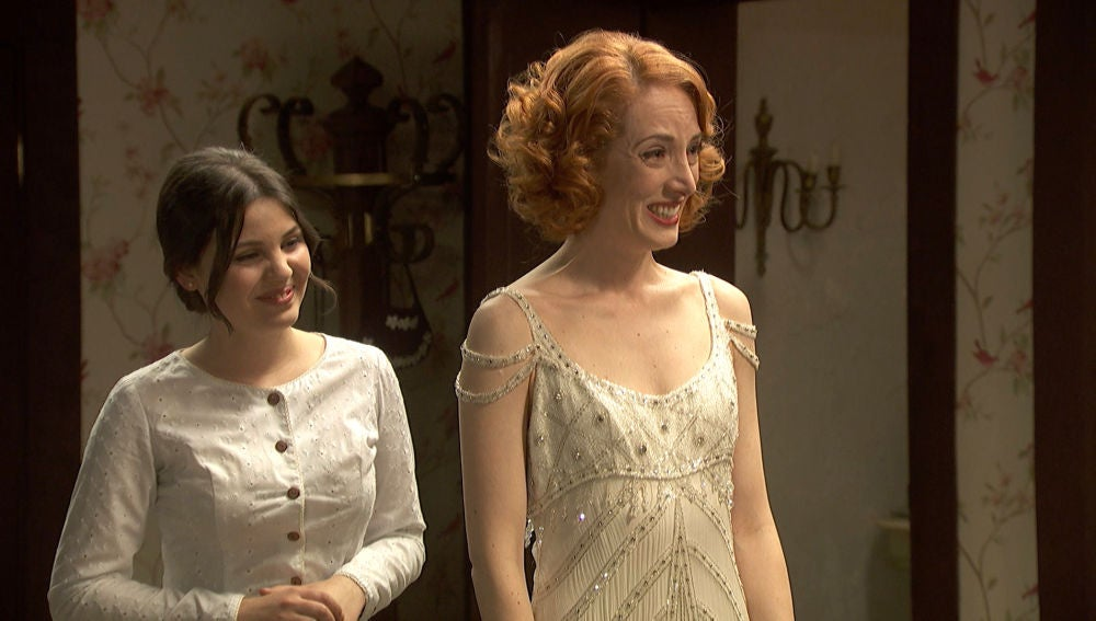 Irene viste por primera vez su impresionante vestido de novia