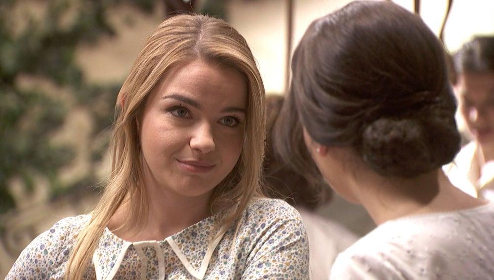 Antolina reconoce su amor por un hombre ante Marcela