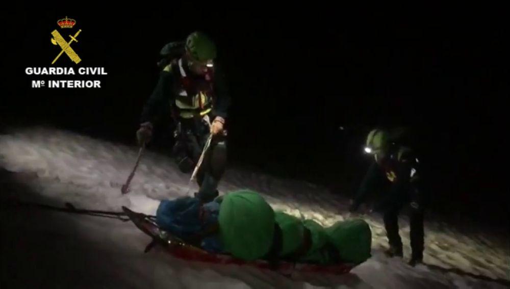 Rescatan a una montañera en una complicada intervención en Picos de Europa