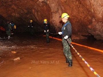Operación de rescate en la cueva de Tailandia