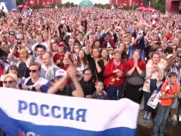 Fiesta a lo campeón para Rusia a pesar de caer en cuartos ante Croacia