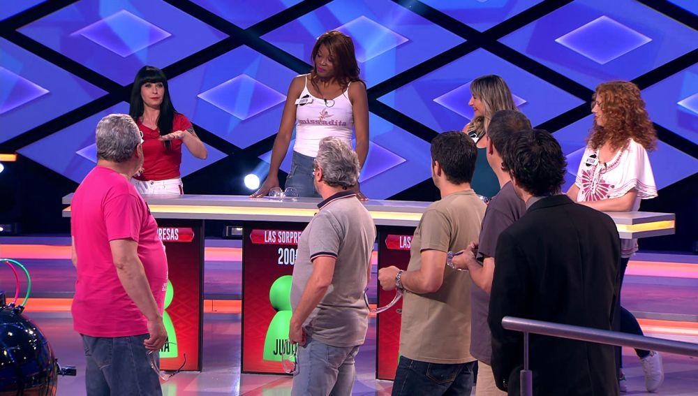 Juanra Bonet se sorprende con el parecido de una concursante con la actriz Naomi Campbell