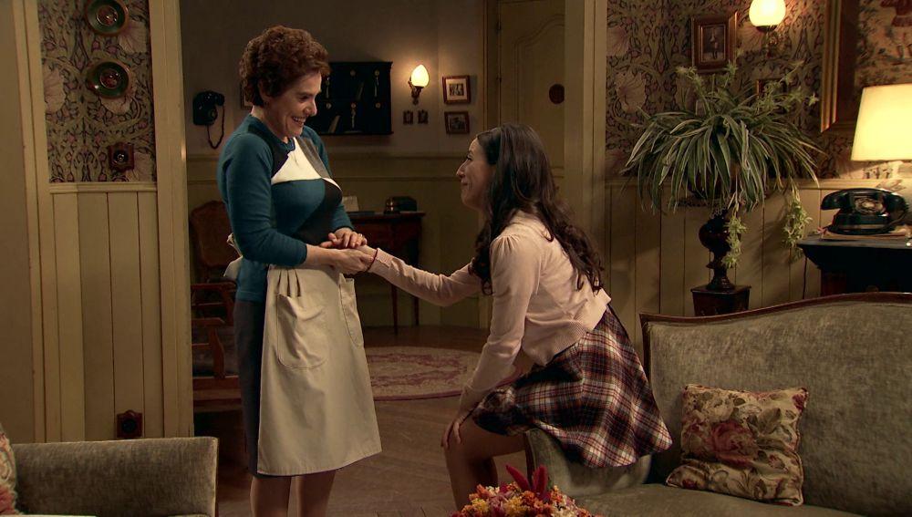 Benigna cree que Arturo le ha pedido una cita a Llanos para proponerle matrimonio