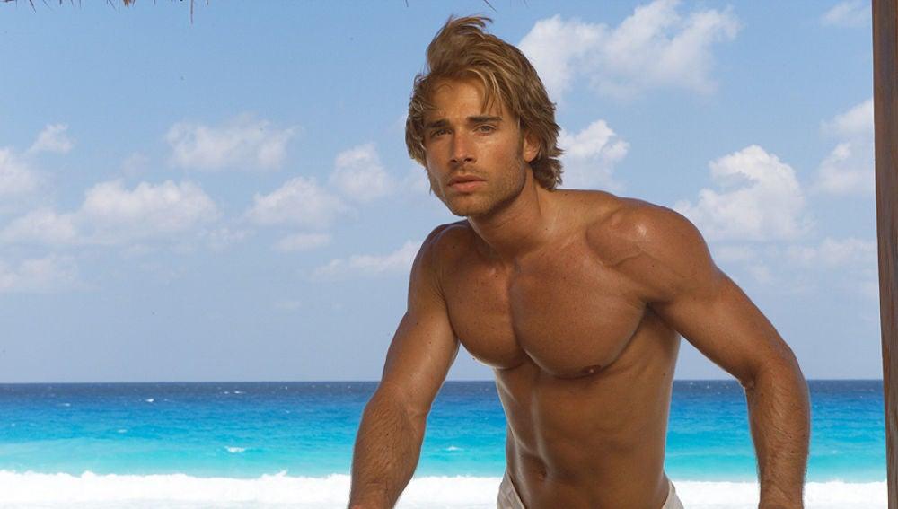 Sebastián Rulli es Héctor en 'Rubí'