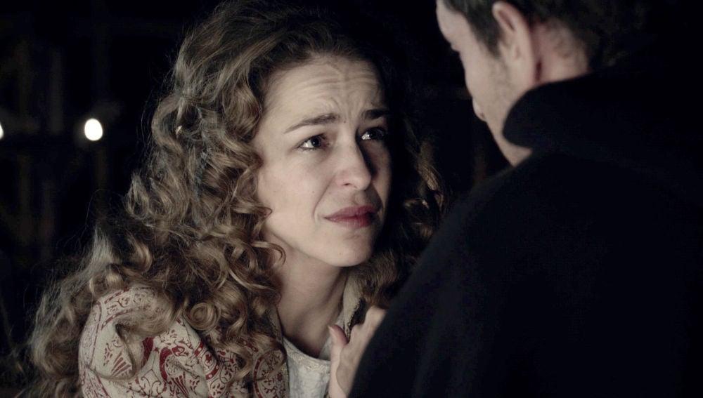 Elionor se apoya en Joan para provocar un acercamiento con Arnau