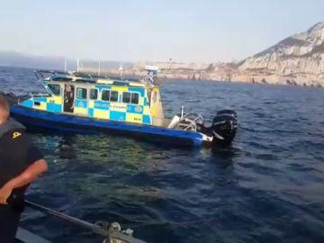 Nuevo incidente en aguas cercanas a Gibraltar: Pescadores gaditanos denuncian una agresión con gas pimienta por la Policía gibraltareña