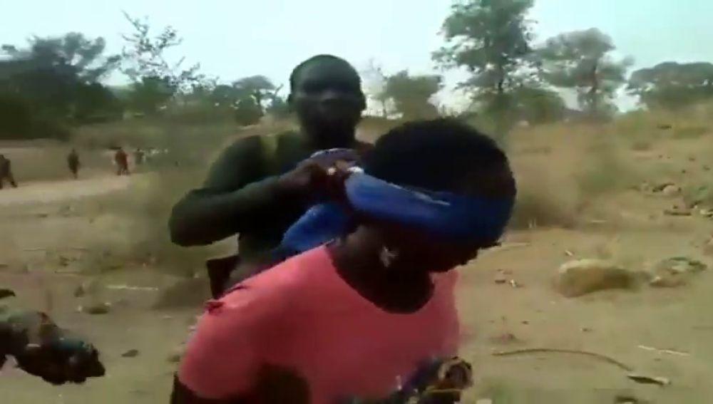 Fusilan a dos mujeres y a dos niñas en Camerún