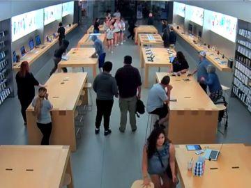 Robo en una tienda de Apple de Nueva York
