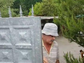 PERRO MUERDE