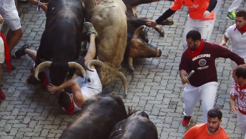 Imagen de uno de los momentos emocionantes del encierro de San Fermín