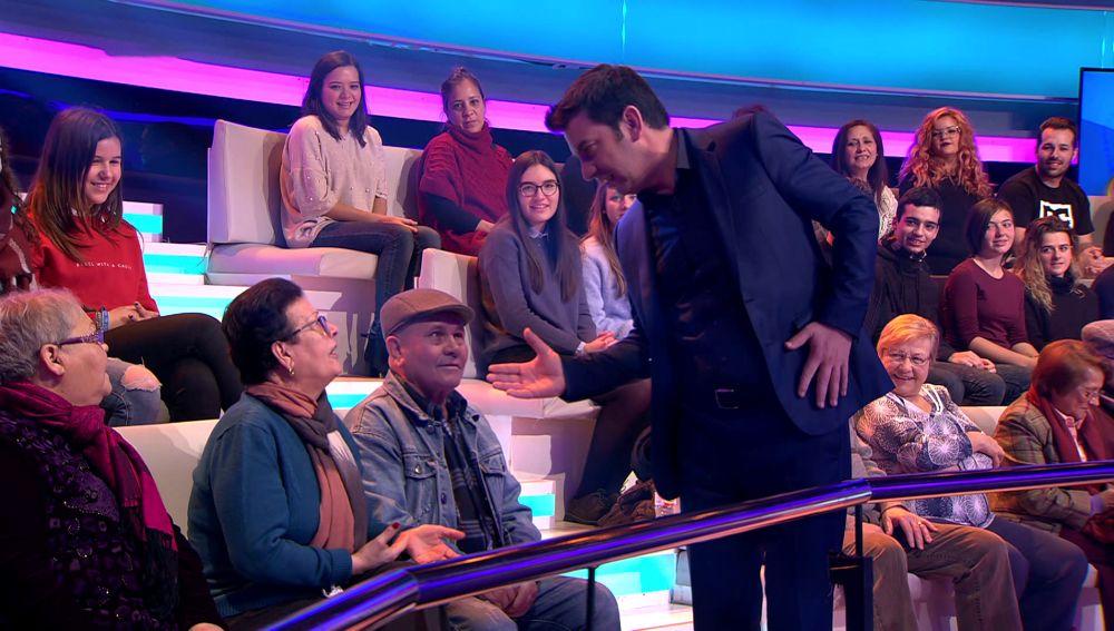 Arturo Valls lanza sus mejores piropos al público de '¡Ahora Caigo!'