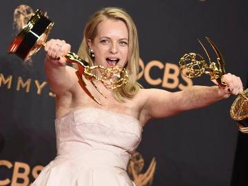Elisabeth Moss en la pasada edición de los Emmy