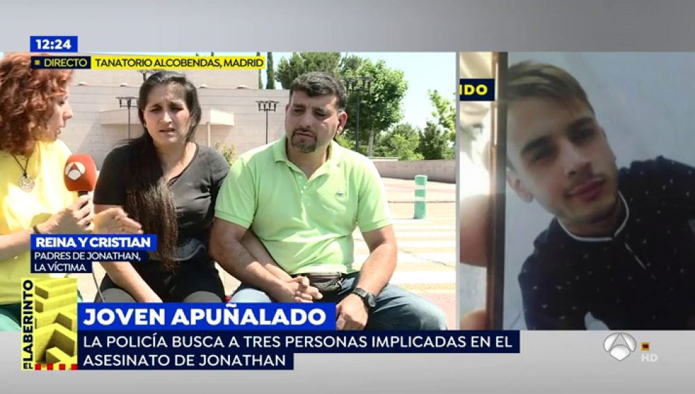 """La madre del joven asesinado en San Sebastián de los Reyes: """"Le pido a España que me ayude a encontrar a los 3 asesinos de mi hijo"""""""