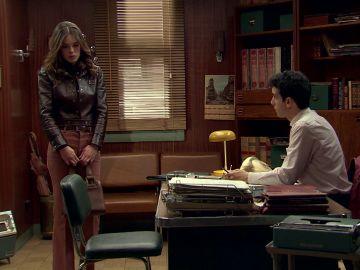 María acude al despacho de Ignacio para hablar sobre la ruptura