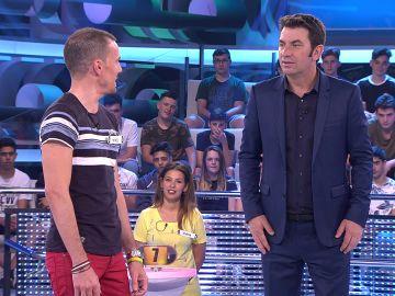 Arturo Valls se queda sin palabras con los chistes de un concursante de '¡Ahora Caigo!'