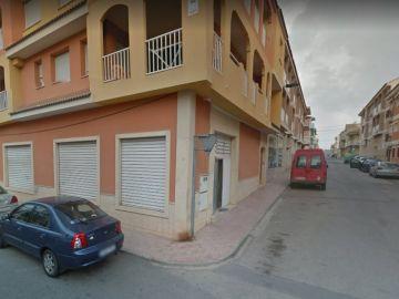 La calle en la que el niño cayó por el balcón