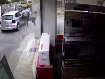 Detienen a una mujer por simular un accidentes de tráfico para cobrar las indemnizaciones