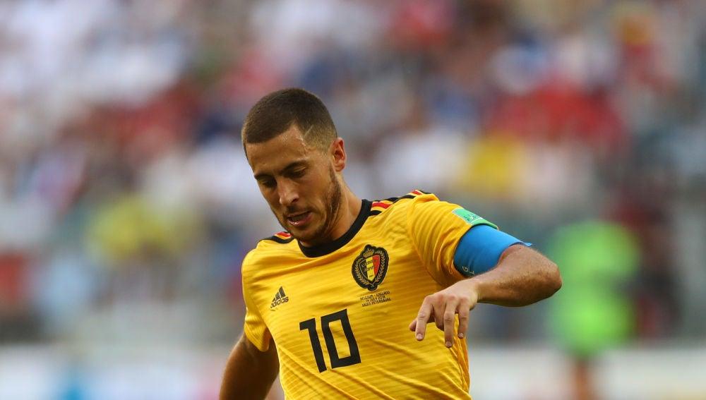 Hazard jugando con la selección belga