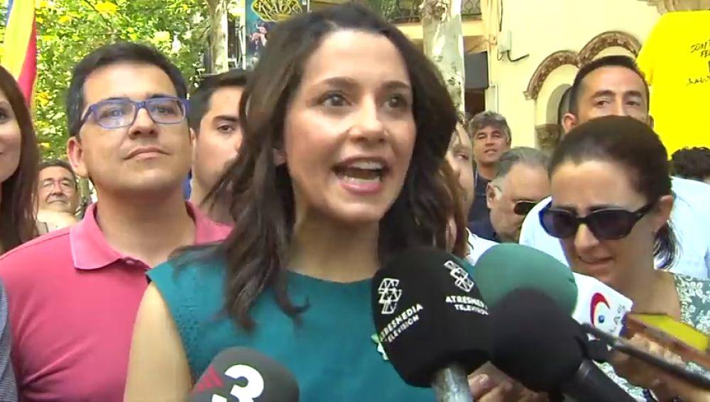 Inés Arrimadas reclama en Canet que se reconstruya la convivencia en Cataluña