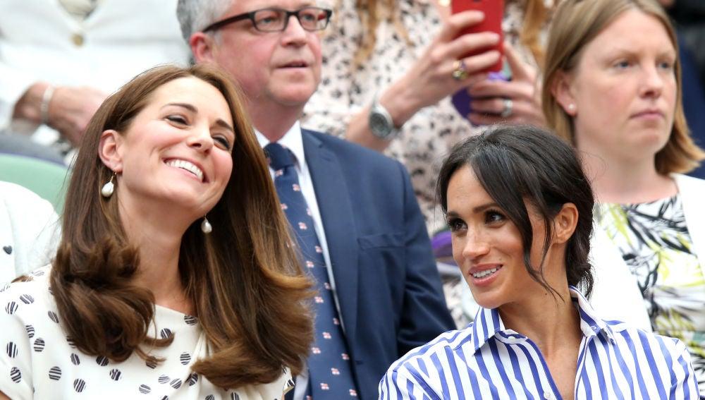 Kate Middleton y Meghan Markle en el torneo de Wimbledon en Londres