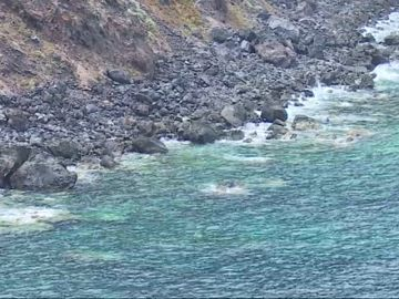 Un menor de 16 años, en estado crítico tras caer a unas rocas en la costa de Tenerife
