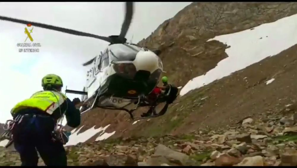 Muere un montañero de 63 años tras caer 100 metros en los Pirineos