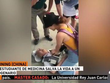 Una estudiante de medicina logra reanimar a un octogenario en plena calle