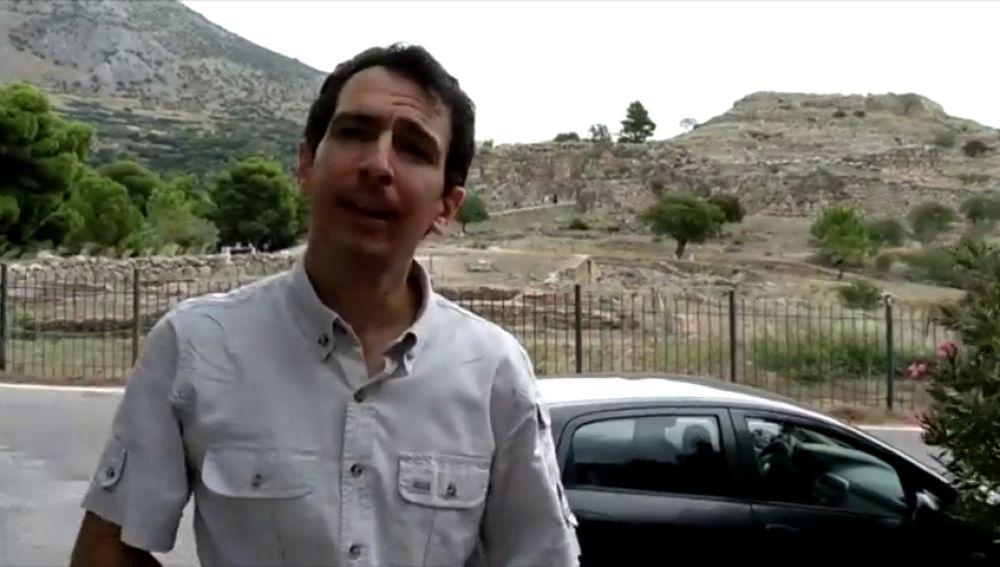 No hay españoles entre los muertos del incendio de Atenas
