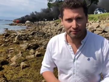 Varios heridos al incendiarse un barco con 51 personas a bordo tras chocar contra una batea en Pontevedra