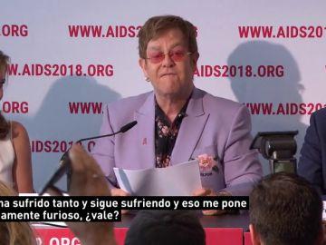 """Elton John denuncia una """"clara discriminación"""" contra los homosexuales en Rusia, este de Europa y Oriente Medio"""
