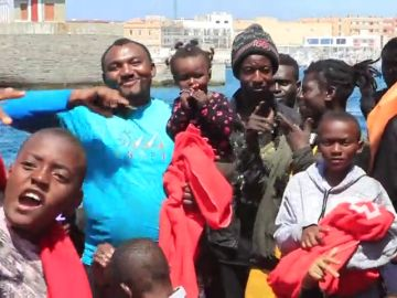 """La Comisión Europea propone dar a los Estados miembros 6.000 euros por cada refugiado acogido desde """"centros controlados"""""""
