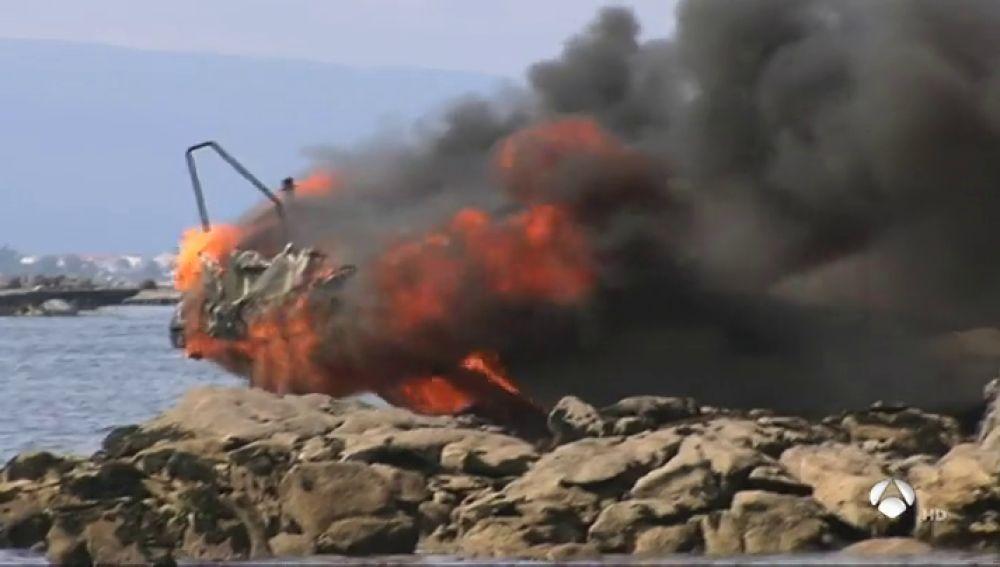 38 heridos, cinco graves, al incendiarse un barco en Pontevedra