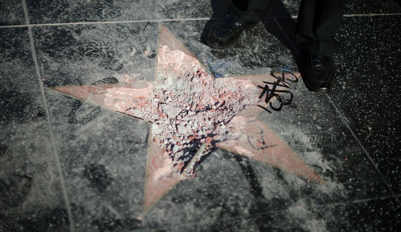 Destrozan de nuevo la estrella de Trump en el Paseo de la Fama de Hollywood