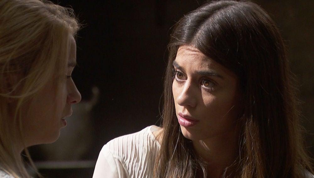 Elsa pregunta a Antolina si está embarazada