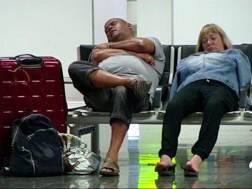 Primera jornada de huelga de Ryanair: resignación entre los pasajeros que han sabido a última hora que no volarían