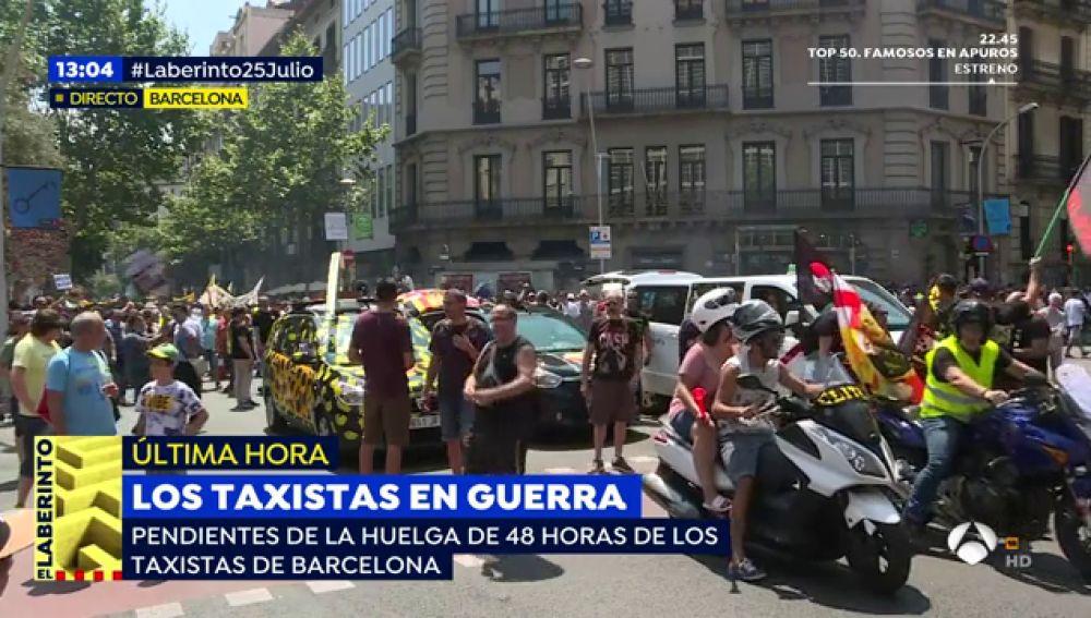 Los taxistas en huelga amenazan con acampadas y con ampliar el periodo de inactividad hasta que se cumplan sus objetivos