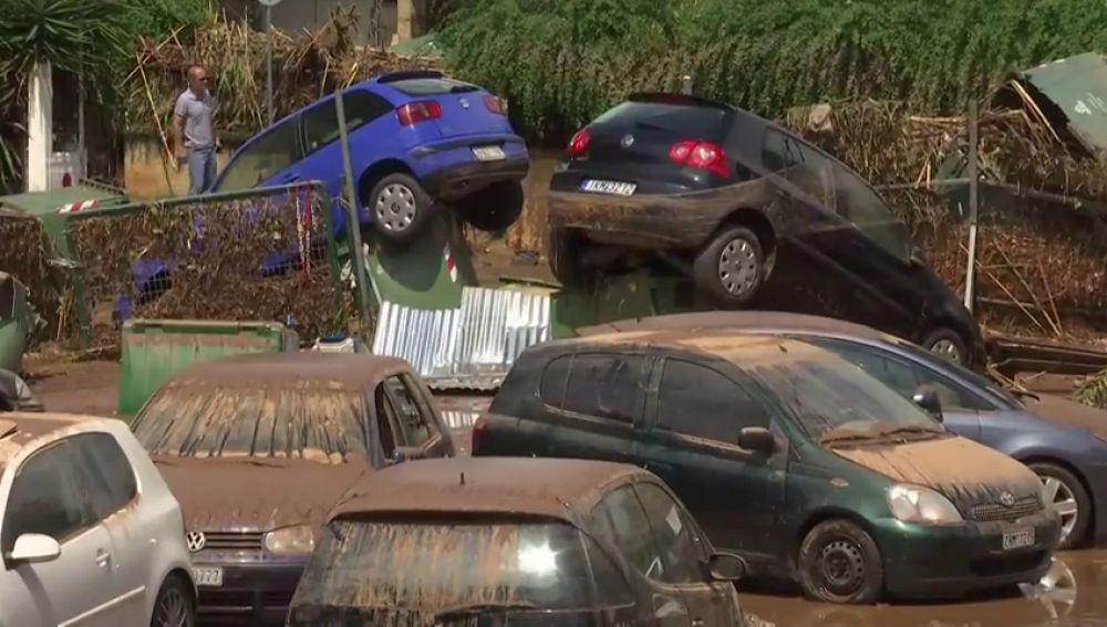 Varias zonas del norte de Atenas se inundan debido a las fuertes lluvias