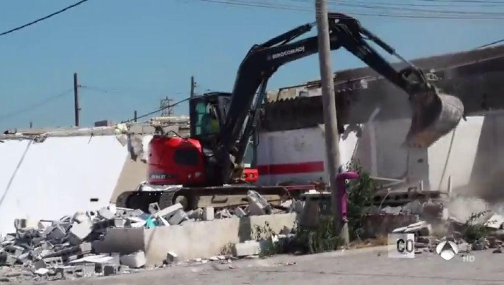 Comienza la demolición del poblado chabolista de Son Banya