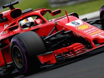 Vettel, con el Ferrari