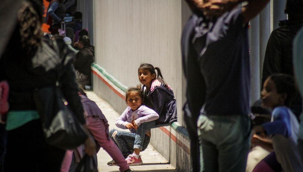 Imagen de menores migrantes en la frontera con EEUU