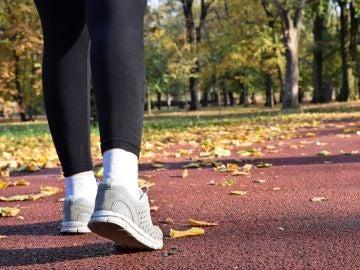 Trucos para quemar más calorías mientras caminas